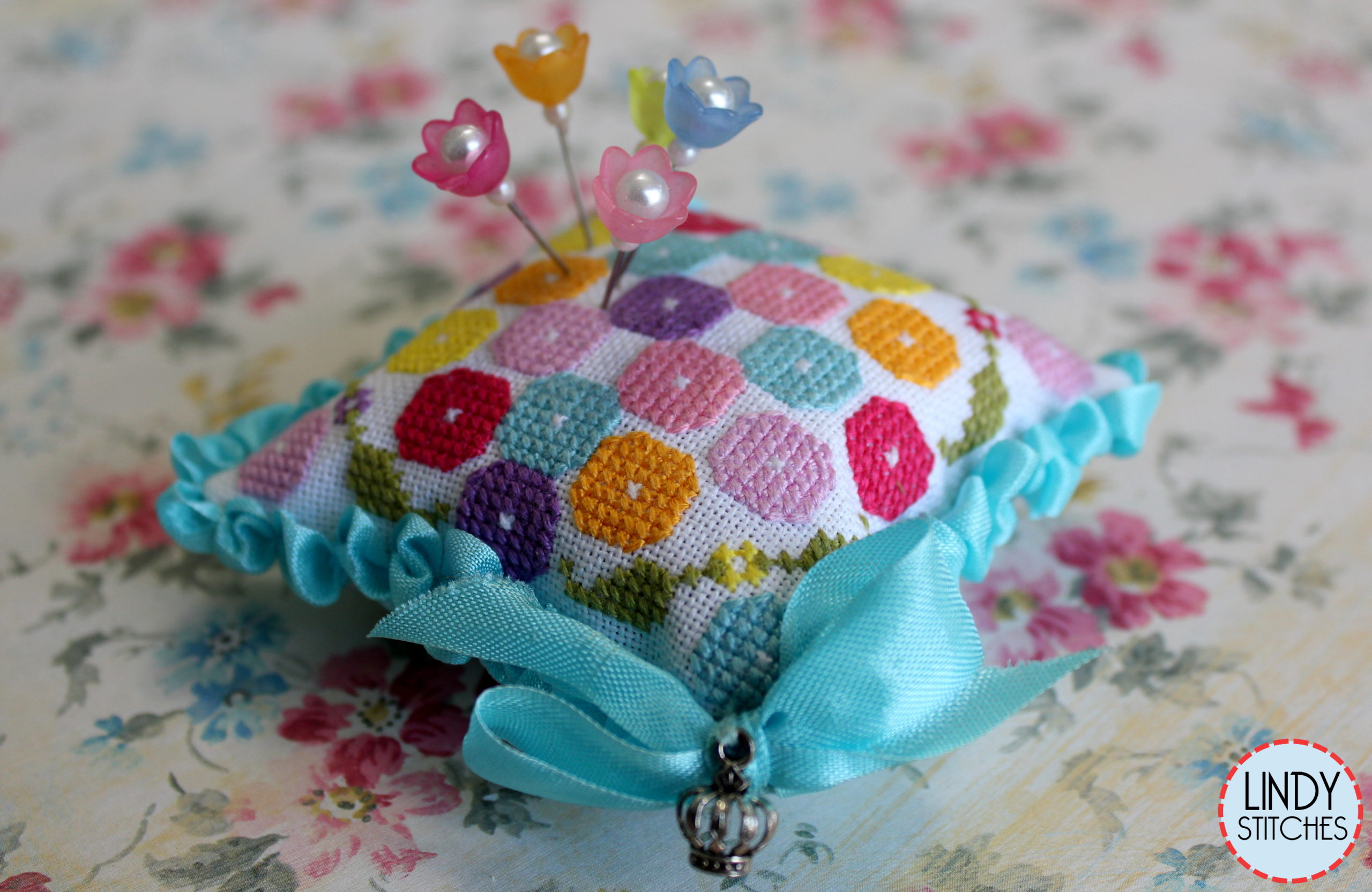 Penelope's Posies Pincushion - Lindy Stitches